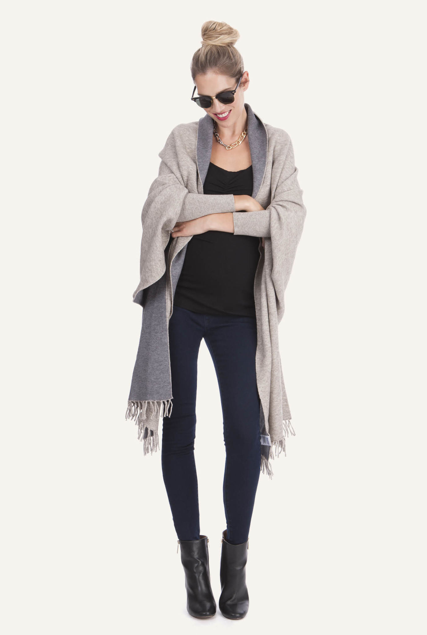 Entdecke neue Winter Umstandsmode Styles bei Mamarella