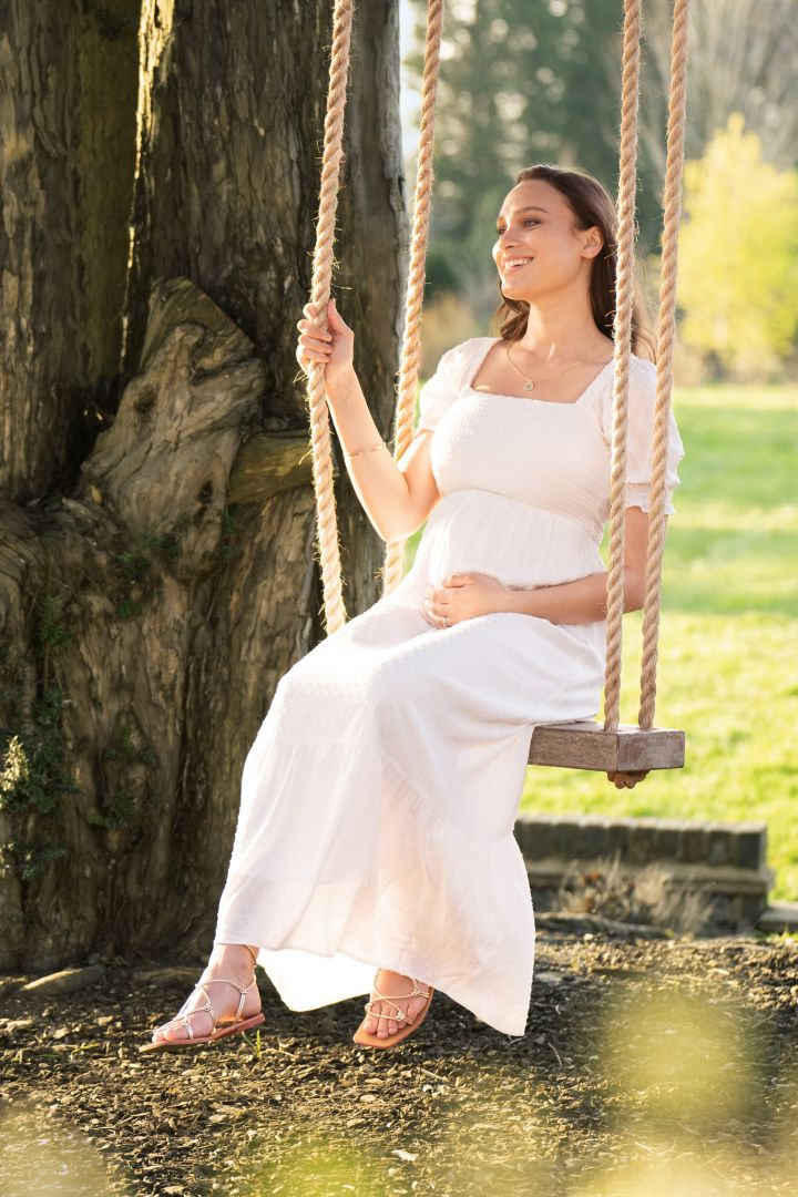 Maxi Maternity Dress with Puff Sleeves