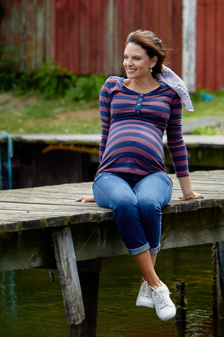Maternity and nursing shirt made of organic cotton