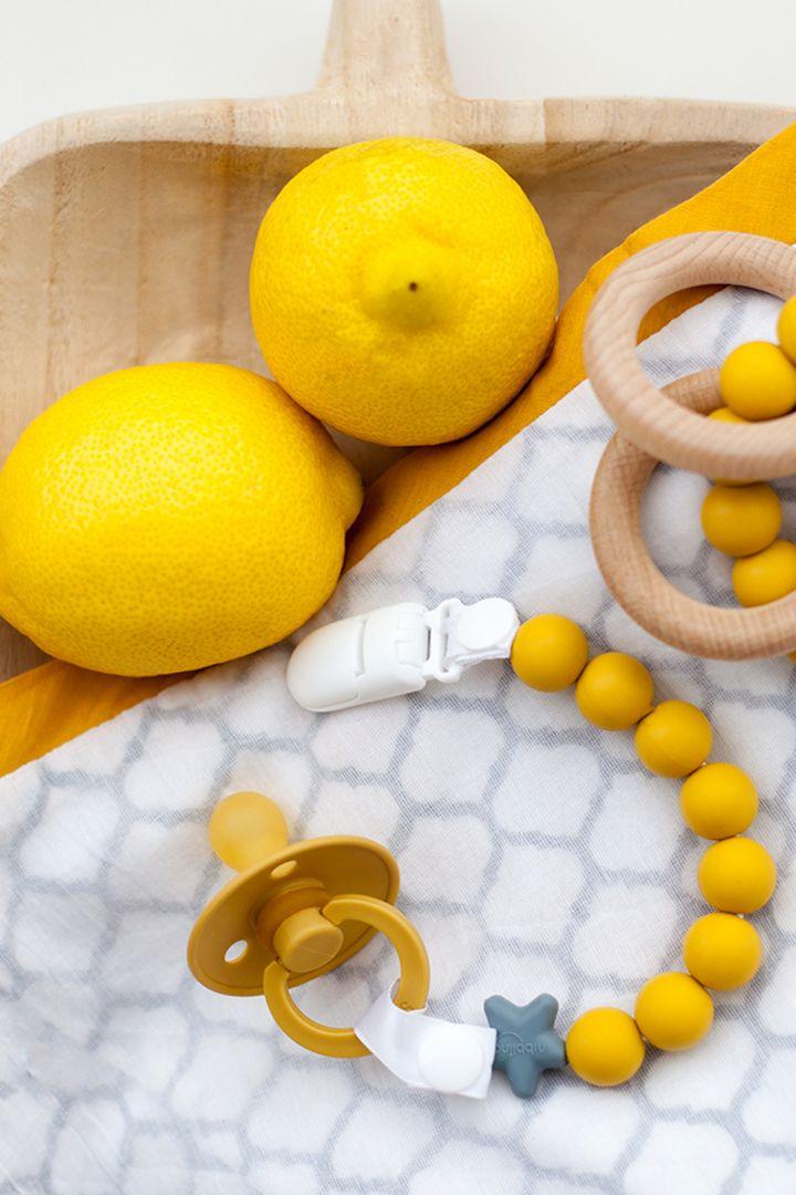 Zahnungs-Schnullerkette mit Silikonperlen gelb