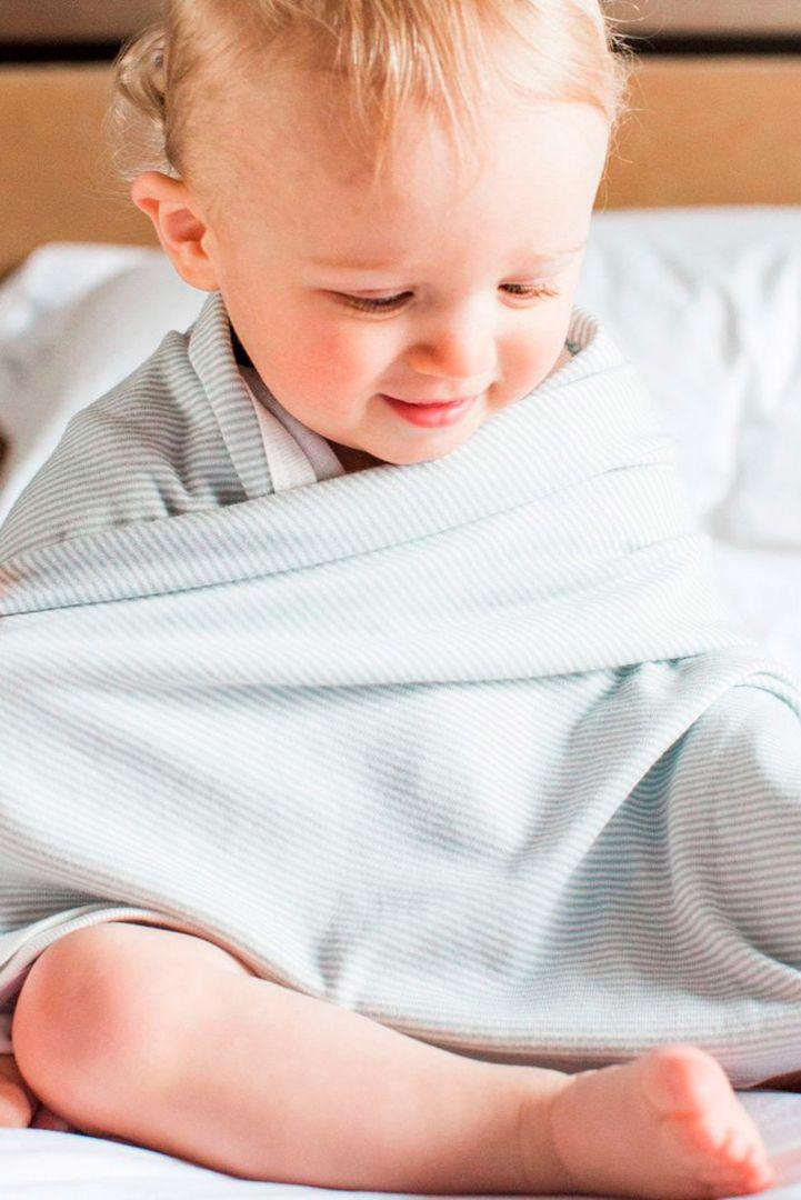 Organic Babydecke Streifen hellblau
