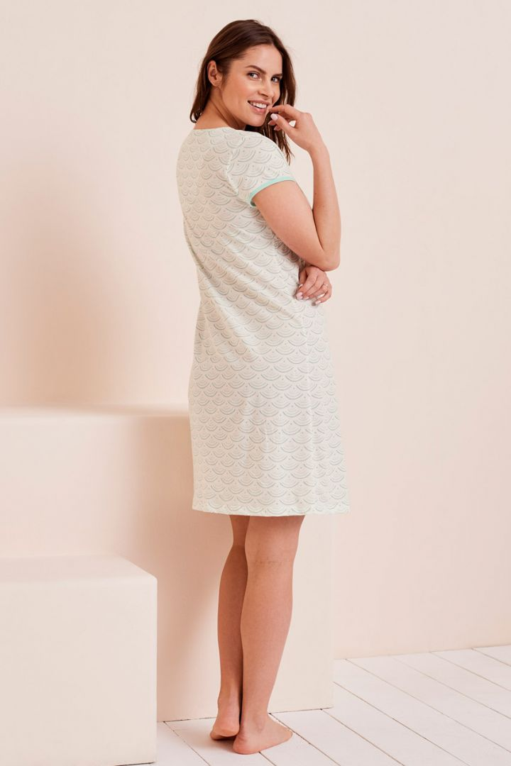 Maternity and nursing nightgown with print
