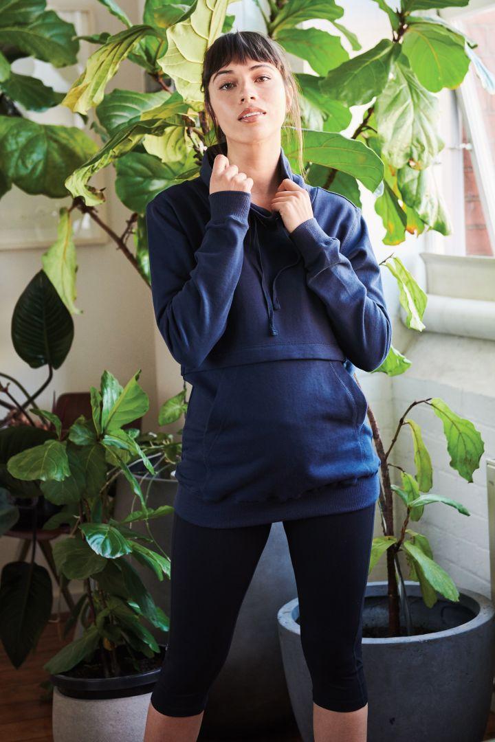 Maternity and nursing hoodie with zip fastenings