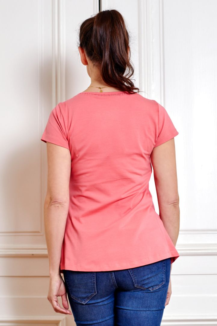 Organic maternity and nursing shirt with round neck and short sleeves coral
