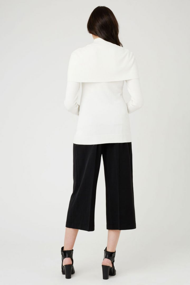 Maternity sweater with shoulder collar ecru